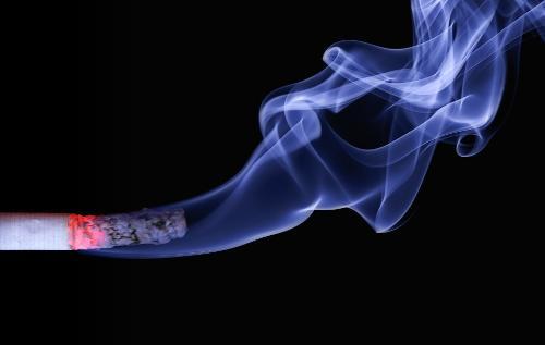 Thuốc lá là tác nhân chính liên quan đến bệnh ung thư