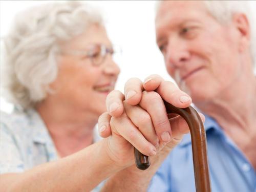 Thoái hóa khớp là bệnh thường gặp ở người trung niên hoặc người cao tuổi và đang dần trở nên phổ biến