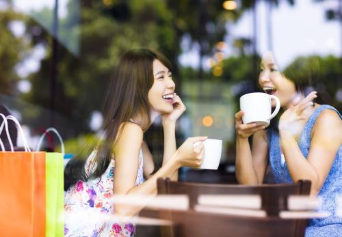 Hãy mở rộng các mối quan hệ để luôn thoải mái, trẻ trung