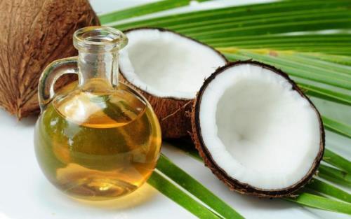 Dầu dừa là một kháng sinh tự nhiên chống vi khuẩn gây sâu răng cực tốt