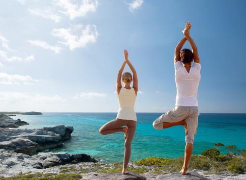 Đứng một chân là tư thế phổ biến trong yoga, thái cực quyền