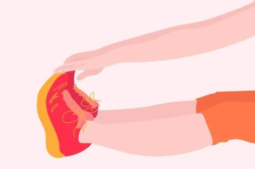 Chạm tay vào ngón chân là một phương pháp tự kiểm tra sức khoẻ tại nhà